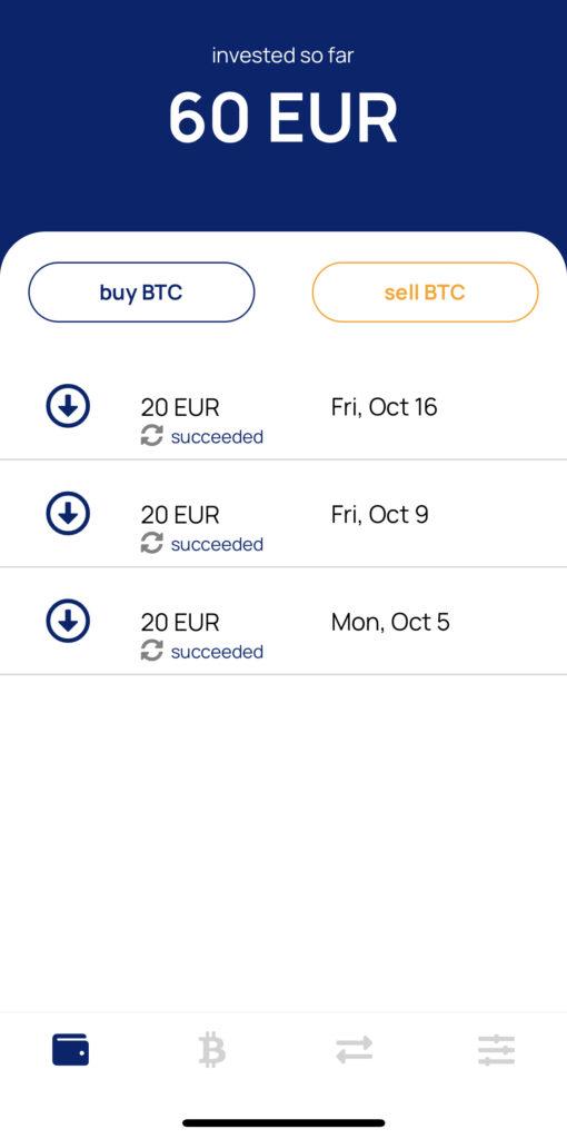 Snímek z aplikace Relai ukazující automatické nákupy během 3 týdnů